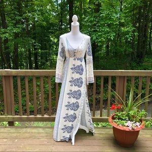 O' NEILL long bell sleeve maxi dress.